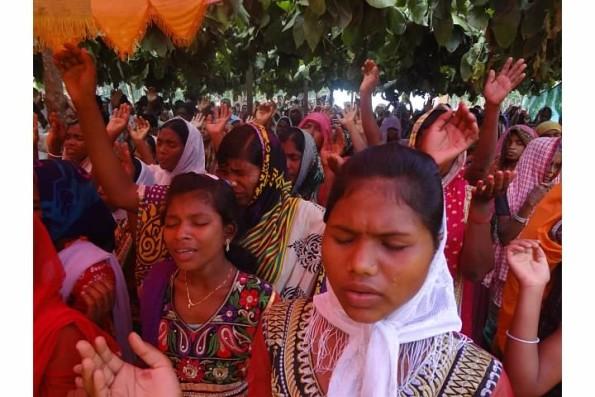 400 Hindus saved 6
